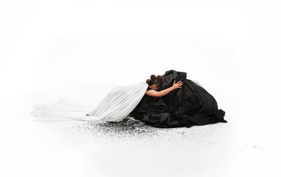 Weiße Flecken zu Grabe getragen: Grada Kilomba und die Radikalität des Rituals