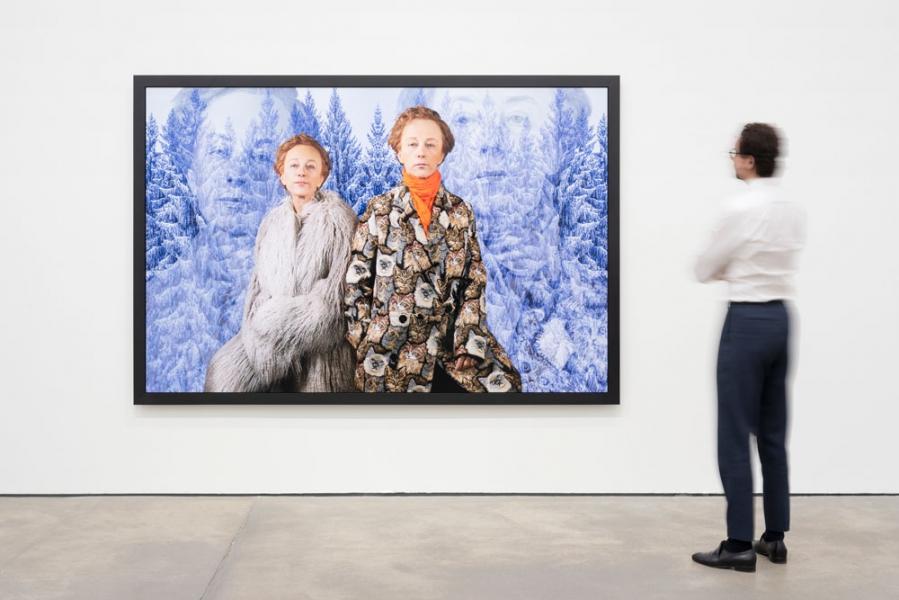 Meisterin der deeskalativen Verzerrung: Die androgynen Bildsphären der Cindy Sherman bei Sprüth Magers